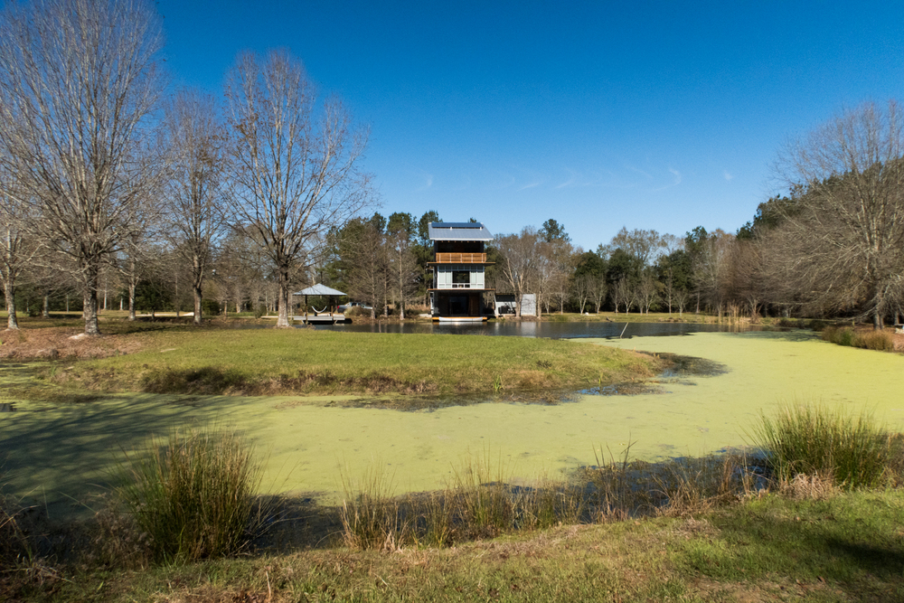 10 Oaks lake house in Hammond, LA - Home of Michael and Denise Holly.